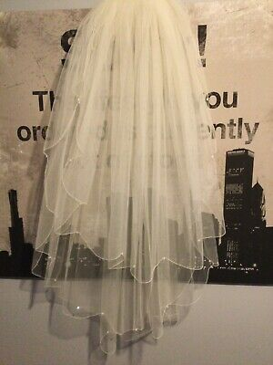 £40 • Buy Elbow Length Ivory Bridal Veil - 3 Layers - Scolloped Edges - Tear Drop Crystals