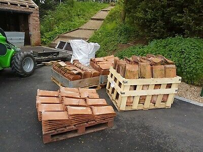 £1 • Buy 400-500 Goxhill Clay Pantiles In Excellent Condition