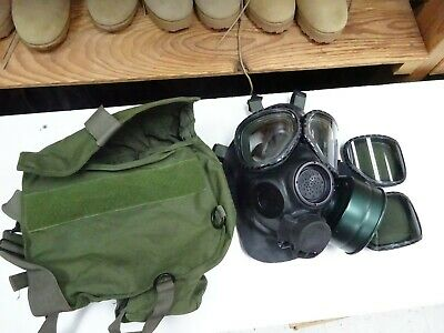 $145 • Buy US Military M40 Gas Mask Size M/L With T Bag