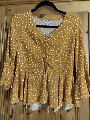 £3 • Buy Red Herring Mustard Ditsy Floral Top Size 10