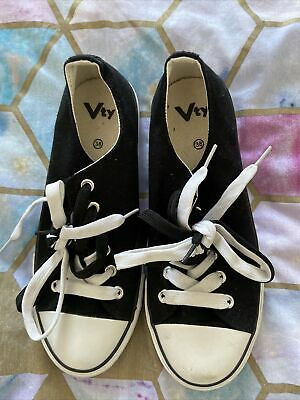 £2.50 • Buy Primark Black And White Trainers Size 5