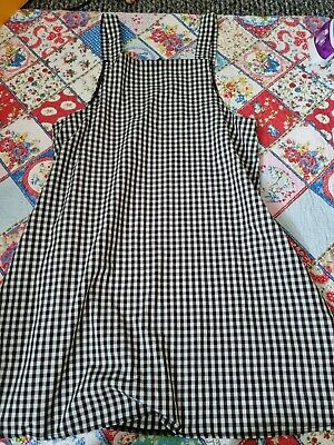 £4 • Buy Black And White Checked Pinafore Size S