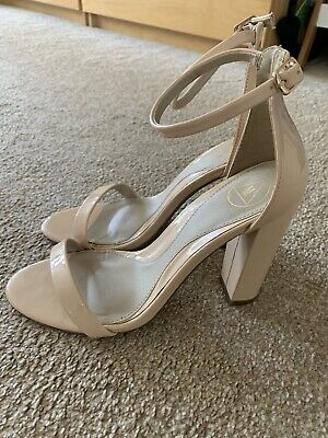 £6.20 • Buy Nude Patent Shoes Size 8