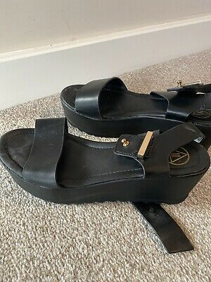 £6 • Buy Misguided Platform Shoes Size 6