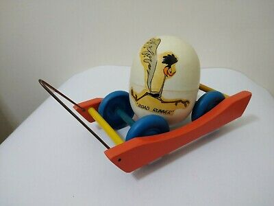 £21.50 • Buy VINTAGE LOONEY TUNES ROAD RUNNER BUZZ BUZZAR RATTLE EGG PULL TOY ARGENTINA 1950s