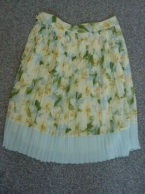 £6.99 • Buy Topshop Concessions Floral Pleated Skirt - Size 10 - Super Look!