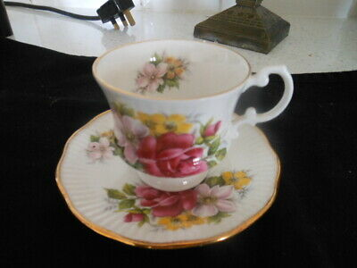 £6 • Buy Cup & Saucer Floral Design Queens Rosina China - Royal Minster