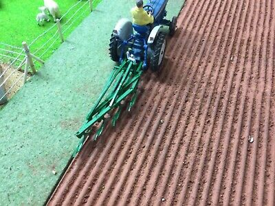 £25 • Buy Britains Farm SPECIAL Mounted Ransomes TS91 4f Plough 1/32 Scale