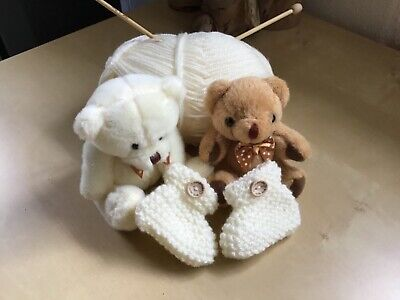 £2.25 • Buy New Born Hand Knitted Baby Booties