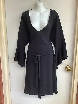 """AU15.45 • Buy """"city Chic"""" Sz S Cute Black Dress And Belt With Flared Sleeves"""