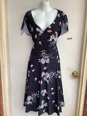 """AU26 • Buy """"city Chic"""" Sz Xl Pretty Floral Tie Back Fit And Flare Dress"""