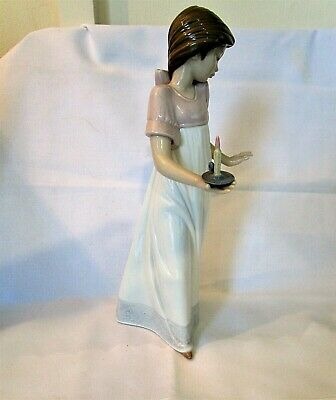 £4.99 • Buy  Lladro/Nao Beautiful Girl In Her Night Gown Carrying A Candle