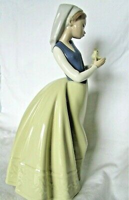 £4.99 • Buy  Lladro/Nao Beautiful Girl With A Baby Chick On Her Hand
