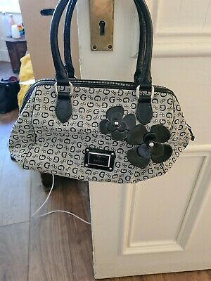 $ CDN31.24 • Buy Guess Handbag Used But In Excellent Clean Condition