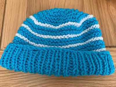 £0.99 • Buy Hand Knitted Baby Hats - Blue And White