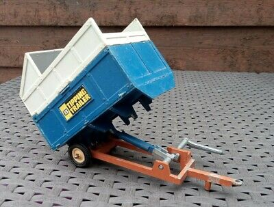 £10 • Buy Britains Tipping Trailer Inc Silage Canopy 1973