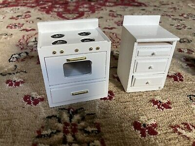 £7.50 • Buy Dolls House Kitchen Furniture - White Cooker And Drawer Unit