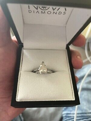 AU8800 • Buy Wedding And Engagement Ring, Men's Available. Too Pickup Or Drop Off Msg Me.
