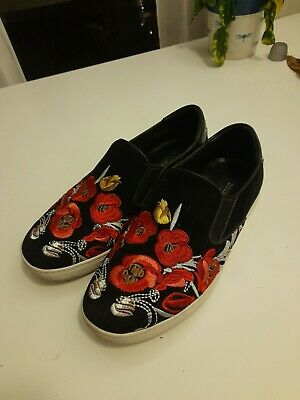 £50 • Buy Dolce Gabbana Embroided Deck Shoes
