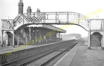 Hopton-on-Sea Railway Station Photo. Corton - Gorleston. Great Yarmouth Line (1) • 3.50£