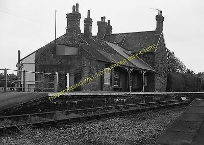 Snettisham Railway Station Photo. Dersingham - Heacham. Hunstanton Line. (14) • 3.50£