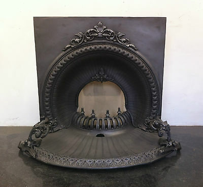 Restored Antique Victorian Style Cast Iron Fireplace Arched Insert Grate (PK264) • 3,250£