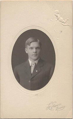 Silver Gelatin Mounted To Board, Oval Cut, Young Man With A Lapel Pin. Mich. • 18.63£