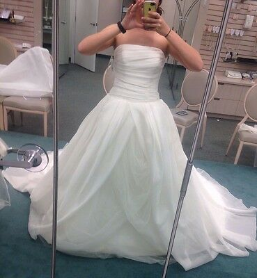 aabcdef4873 NEW White By Vera Wang Textured Organza Wedding Dress In Ivory Size 6 •  900.00
