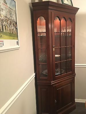 Pennsylvania House Cherry Corner Cabinet With Lighted Interior And Gl Shelves 500 00
