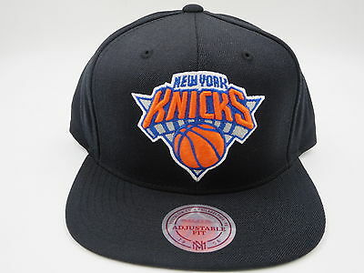 innovative design c2f86 8dcef New York Knicks Black Wool Mitchell   Ness NBA Retro Throwback Snapback Hat  Cap • 24.99