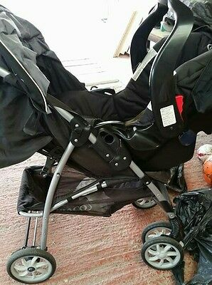 Unisex Pushchair With Carseat • 40£