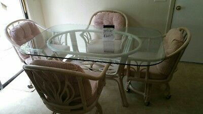 $250 • Buy Kitchen Table And Chairs Used