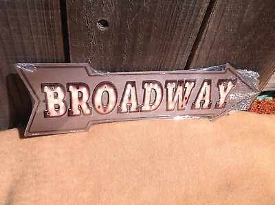 Broadway This Way To Arrow Sign Directional Novelty Metal 17  X 5  • 13.95$