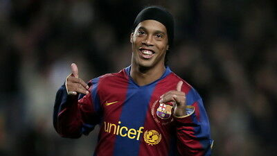 042 FC Barcelona - Ronaldinho Classic Football Team Sports 42 X24  Poster • 5.55£