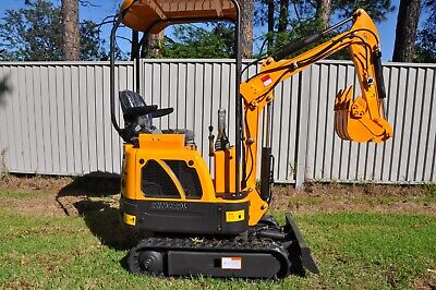 AU14990 • Buy 2020 Rhinoceros 3 Cylinder Yanmar Diesel Mini Excavator Xn12  Full Package