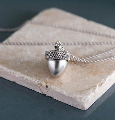 Long Silver Acorn Necklace Locket, Acorn Locket, Acorn Pendant • 50$