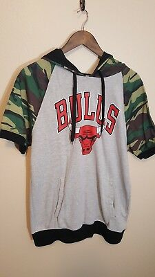 NBA Chicago Bulls Short Sleeve Hoodie Shirt Mens Size Large Gray Camo Red!  • 10.99 5fb353a3d194