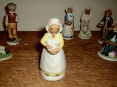 Franklin Mint 1985 The Woodmouse Family Polly Porcelain Figurine • 1.99$