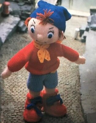 T016 Knitting Pattern Pack, Noddy, Big Ears And Pc Plod Childrens Soft Toys • 5£