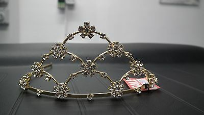 £10 • Buy BNWT And Box Gold And Diamantes Flower Tiara
