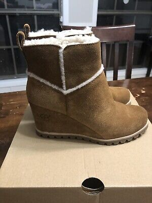 34f05be3fad ugg boots size 6