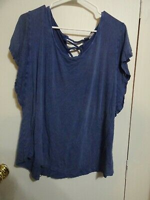 94ae0438d1b Cato Top Blouse Plus Size 22 / 24w • 2.49$