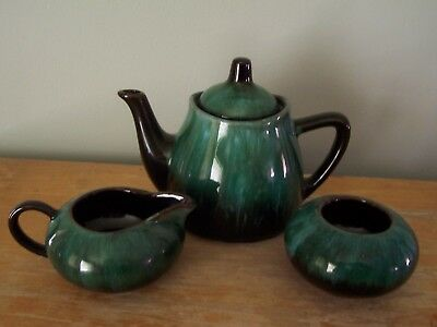 $ CDN29.99 • Buy Vintage Blue Mountain Pottery 5  Small Teapot With Cream And Sugar