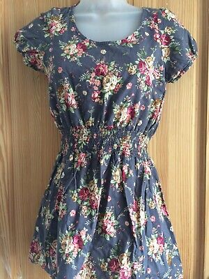 Hearts And Bows Dress Size 8 FLORAL • 7£