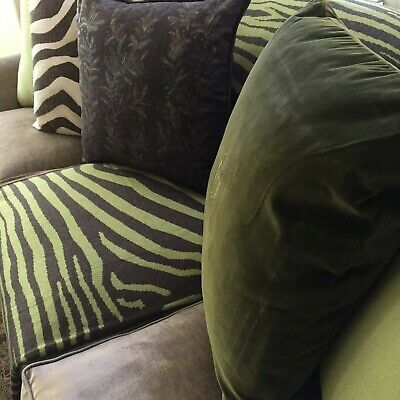NEW Chocolate/ Green Co-Cashmere Zebra Pattern Throw And Pillows Pair (2) • 354.05£