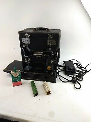 $399.99 • Buy Vintage 1949 Singer 221 Featherweight Sewing Machine, Case And Oiler Works Runs