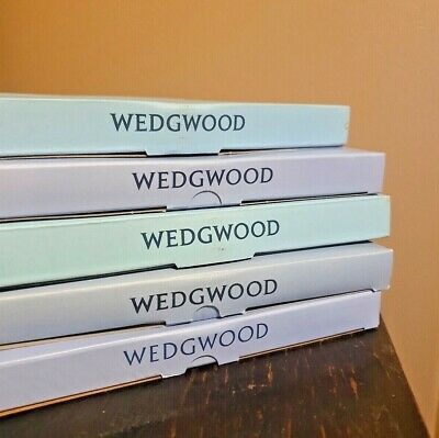 £15 • Buy 5 Wedgwood Collectors Plates
