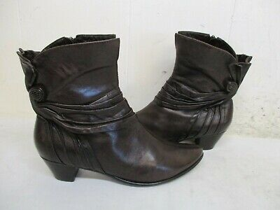 $29.95 • Buy Everybody By B.Z. Moda Soave Brown Leather Zip Ankle Boots Womens Size 37.5 EUR