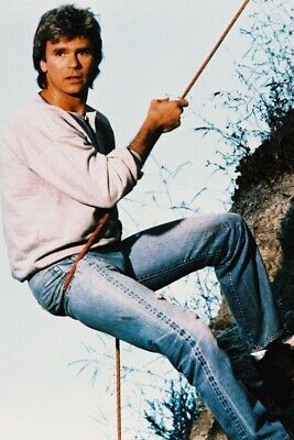$23.99 • Buy Macgyver Richard Dean Anderson 18x24 Poster Climb Rope
