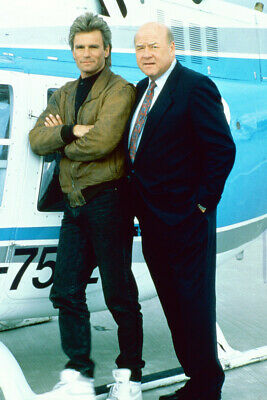 $23.99 • Buy Richard Dean Anderson Dana Elcar By Helicopter In Macgyver 18x24 Poster